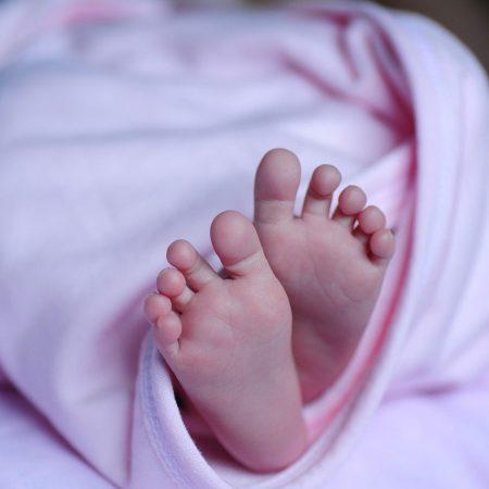 baby_piedi